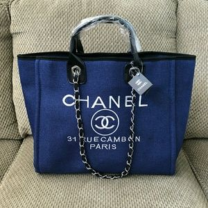 🍂New Chanel VIP Gift Canvas Tote bag🍂